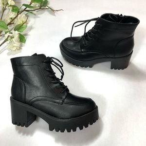 Forever Women's Lace-Up Chunky Combat Ankle Boots